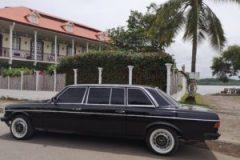 CASA FAIT Frente a la Plaza Victoria, Puntarenas. COSTA RICA W123 LANG 300D LIMOUSINE